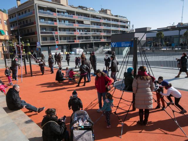 plaça constitucio viladecans pla de barri lei de barrios montserratina