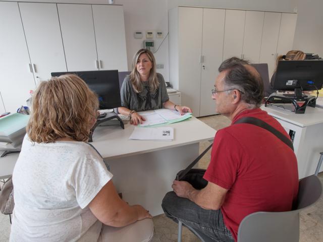 oficina habitatge viladecans tramits gestions perdua desnonaments deutes banc alquiler alzamiento vivienda piso pis desahucio
