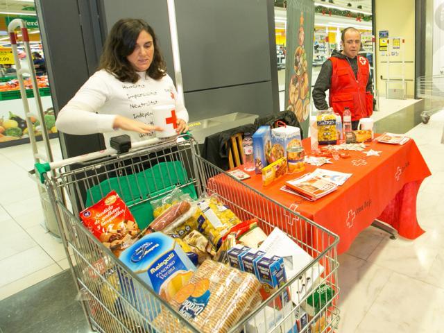 viladecans solidaria ajuda recollida aliments producte higiene