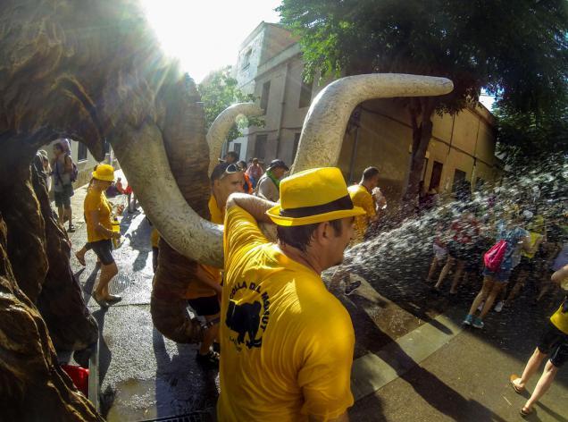 festa major d'estiu viladecans mamullada mamut infants correaigua aigua millor del baix llobregat